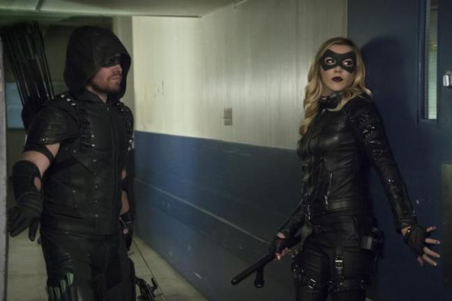 arrow code of silence review - green arrow and black canary